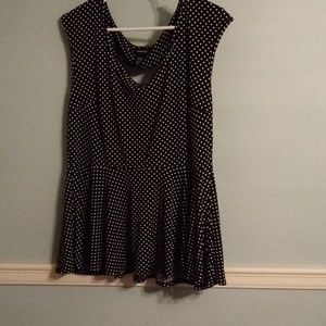 Polka dot sleeveless shirt